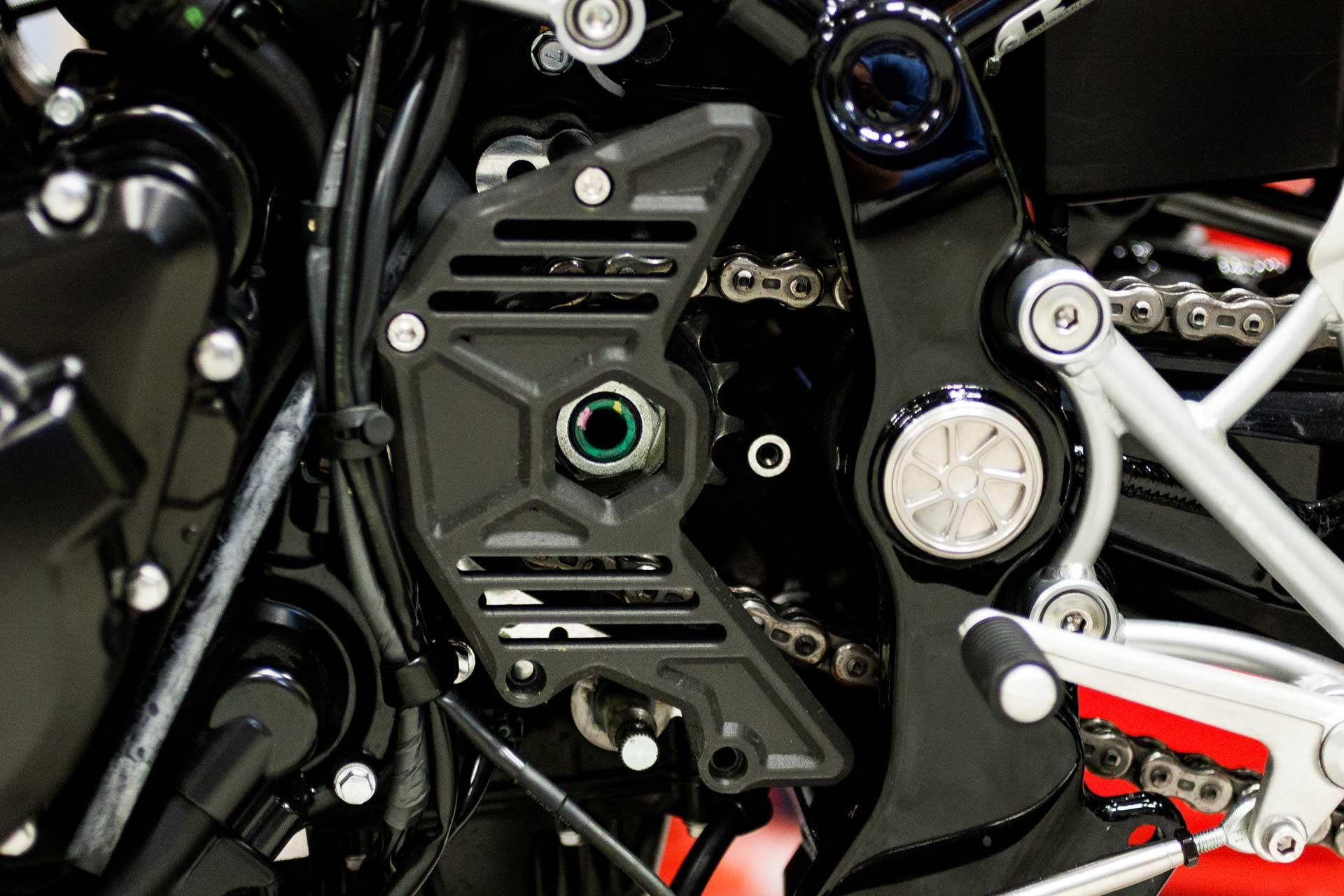 記事 ≪Z900RS専用 スプロケットカバー≫の開発のアイキャッチ画像
